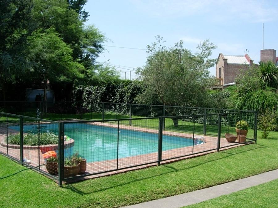 Rejas cierres perimetrales piscinas y portones entrada for Entrada piscina
