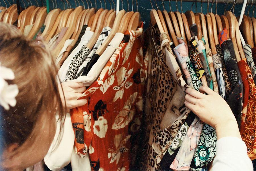 ropa con olor a humedad