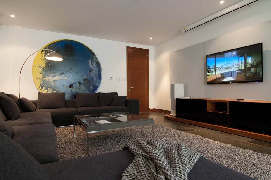 Sala de estar tipo cine ideas dom tica for Idea sala de estar cuadrada