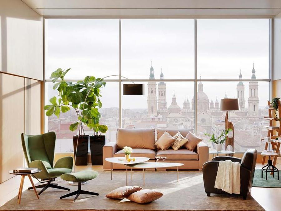 Living con grandes ventanales
