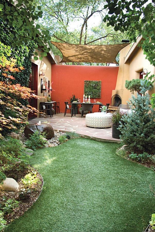 Jardín con harta vegetación