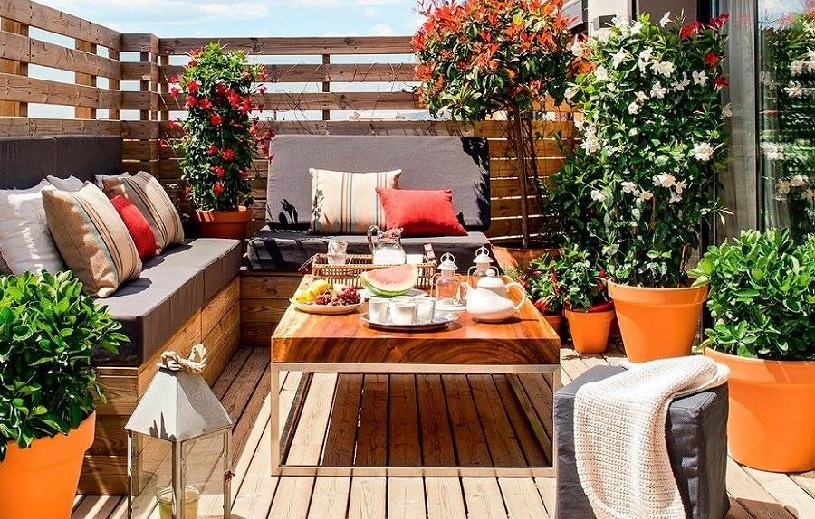 Terraza decorada con madera