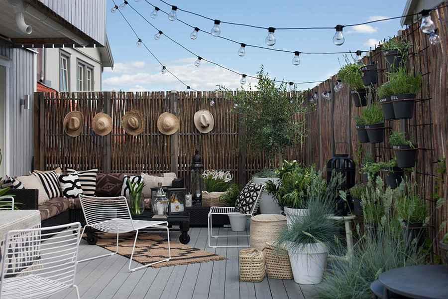 terraza con pisos de madera