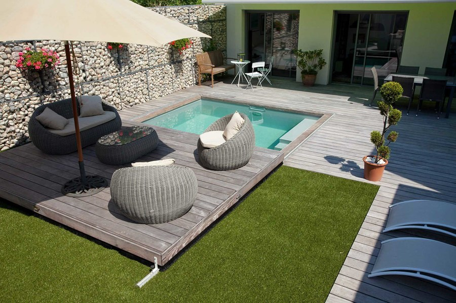 Foto terraza m vil 176170 habitissimo for Piscina cubierta linares