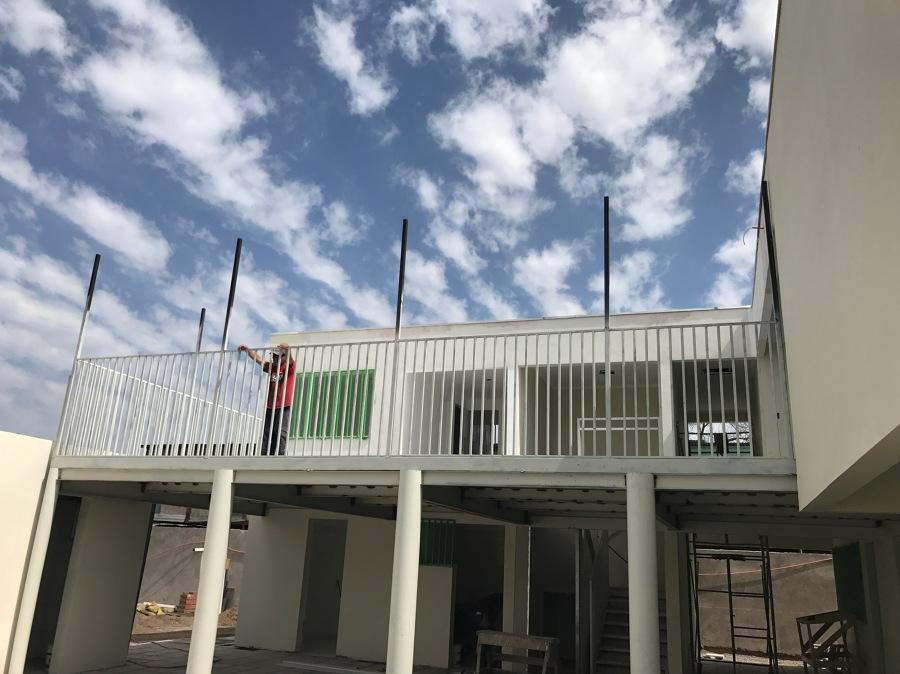 Foto terraza segundo piso de rhc hydraulic e i r l for Terrazas 2do piso