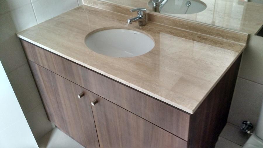 Foto vanitorio travertino importado de marmolesac 103504 for Precio marmol travertino para exterior