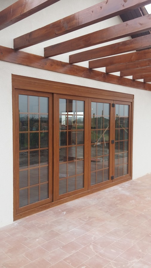 VENTANAS PVC PLEGABLE COLOR ROBLE