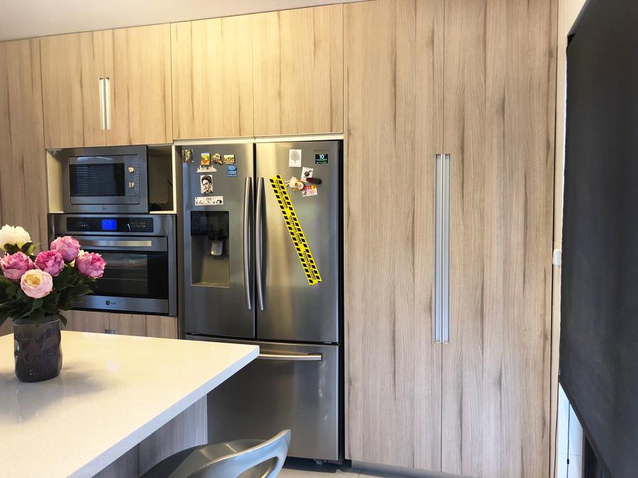 Vista mueble despensa y refrigerador