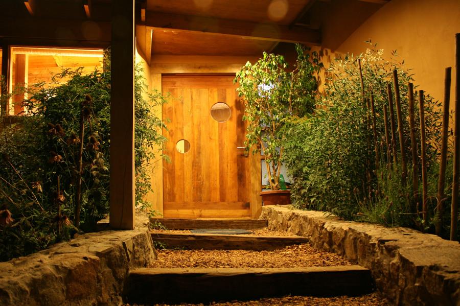 Vista nocturna acceso principal 1