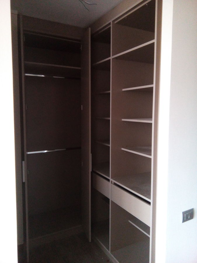 Foto walking closet de lr soluciones 189568 habitissimo for Walking closet modernos pequenos