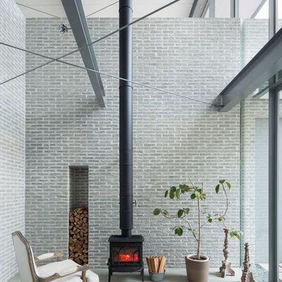 Las chimeneas con más estilo para alejar al frío