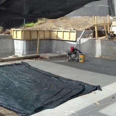 Construcción de obra gruesa para muros y Asientos en Obra de Terraza y Quincho Lo Barnechea