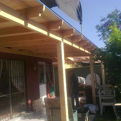 Terraza en Madera con Viga a la Vista, cuarto de Servicio e Instalacion electrica