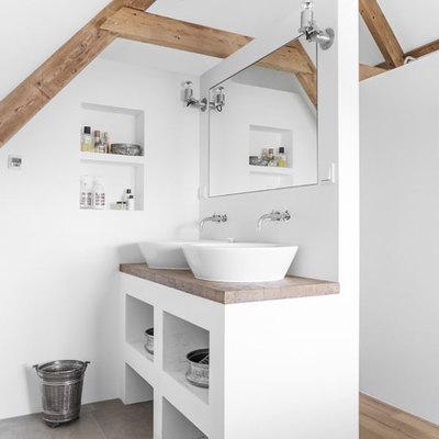 Muro divisor con lavamanos
