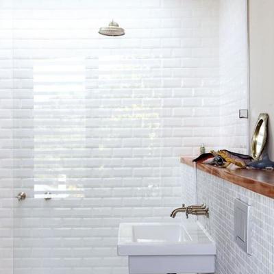 Cómo sobrevivir en un baño sin ventanas