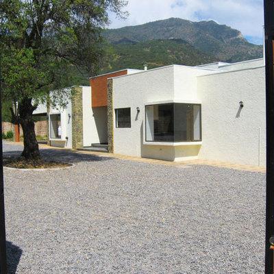 Una vivienda adaptada al entorno que no renuncia al diseño