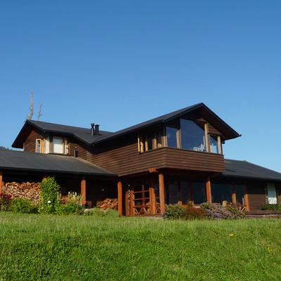 Una casa con esencia chilena repleta de madera