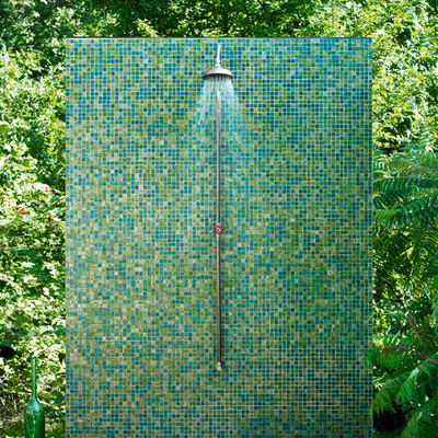 Ducha con azulejos