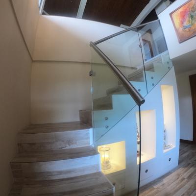 Diseño y Construcción de Escalera Lapis&Caeli