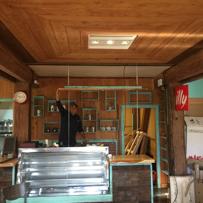 Instalación eléctrica de cafeteria dolce café