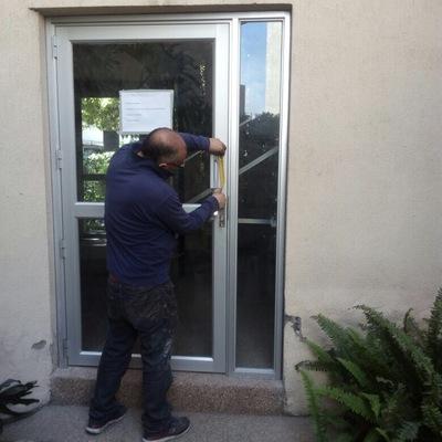 Cambio de mampara, puertas de acceso a condominio Providencia