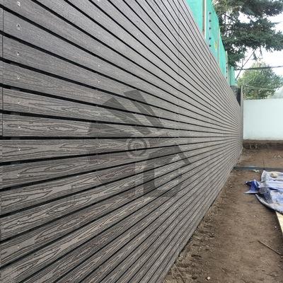 Muro cortavista con revestimiento WPC
