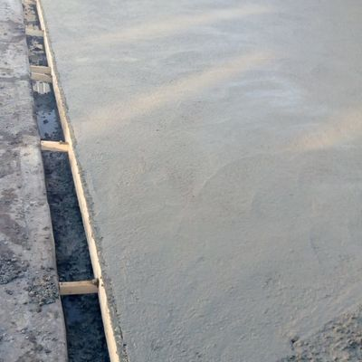 Construcción Radier reforzado estacionamiento Banco Chile, Llolleo