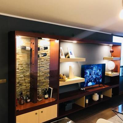 Diseño y construcción rack flotante sala de estar