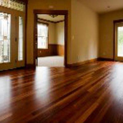 Pulido y vitrificado de piso.