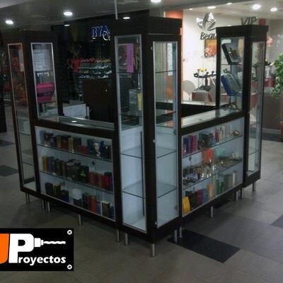 Stand para perfumería en Centro Comercial