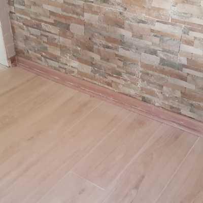 Cambio de piso Flotante a Cerámica medida de cerámico 1.20mtsx20cm.