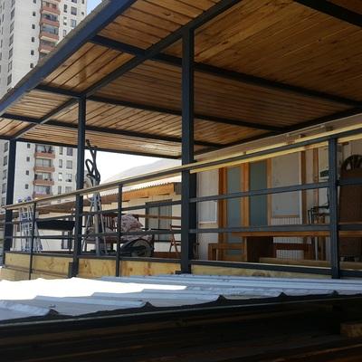 Techumbre , escala acceso segundo piso, estructura metalica y pasamanos