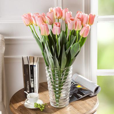 Adorna tu casa: Flores con ramos invernales
