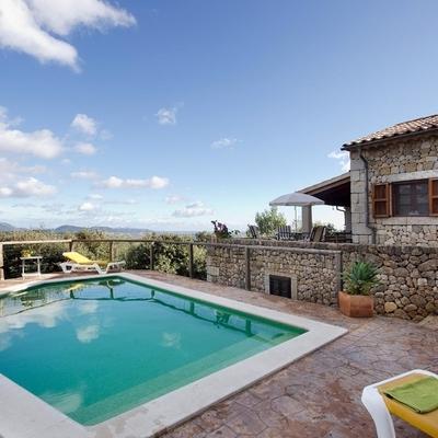 Ideas y fotos de construcci n para inspirarte habitissimo for Bordillo piscina