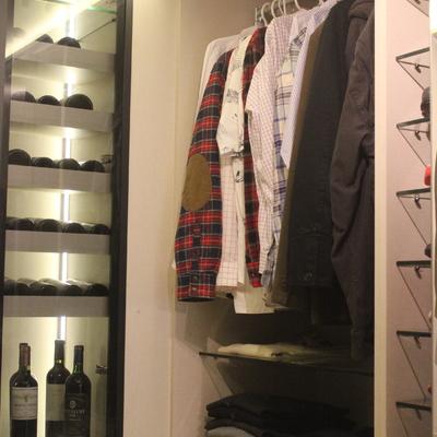 Walk in closet - cava