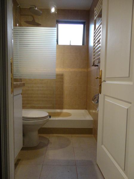 Foto ba o con recept culo ducha y mampara de - Fotos mamparas de ducha ...