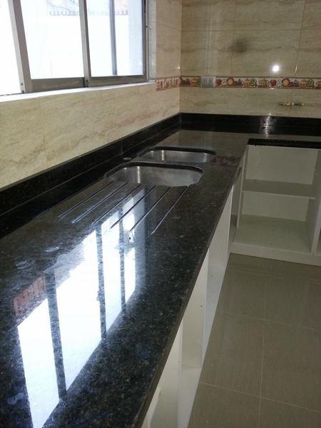 Foto cocina particular verde ubatuba de marmolesac for Marmol color verde ubatuba