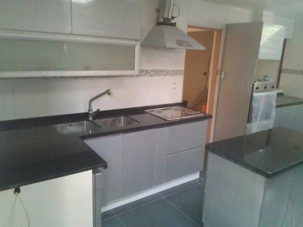 Foto: Cubierta de Granito Cocina Moderna de Omni Diseño Ltda #209904 ...