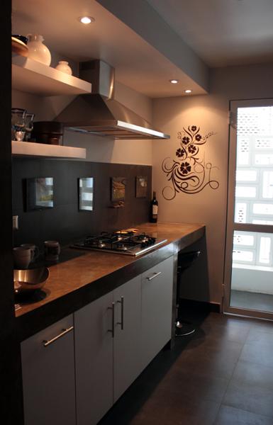 Foto departamento moro remodelaci n interior de raffo for Costo remodelacion bano