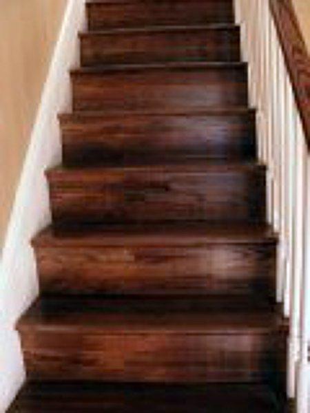 Foto pintura con barniz de escaleras y vitrificado de - Pintura para escaleras ...