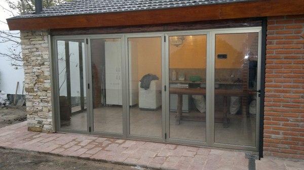 Foto puertas al25 plegables de altmain aluminios 85381 habitissimo - Puertas plegables de aluminio ...