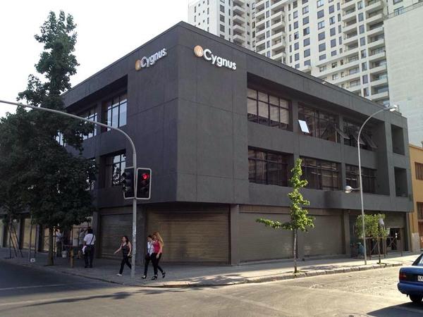Foto reforma edificio de oficinas sede cygnus vista exterior de gestaa 5405 habitissimo for Exterior oficinas