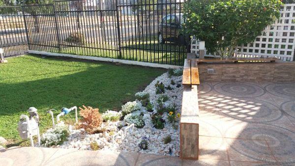 Foto remodelaci n antejard n de explora arquitectura for Como disenar un jardin exterior