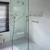 Baño con diseño elegante