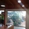 Techar patio con cielo con laminas de madera prensada con viga al aire de pino 34 mt2