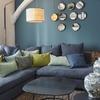 Living con muro azul