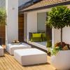 Hacer una casa de 11x6m2 con 3 dormitorios, cocina y baño con material de madera.
