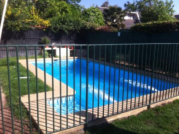 Cu nto cuesta una piscina de esas caracter sticas for Cuanto cuesta piscina obra