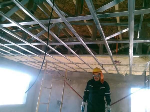 Vigas de madera o metal para un segundo piso habitissimo for Materiales para hacer un piso
