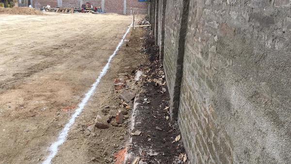 ¿Es obligatorio construir muro antifuego?
